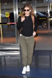 Kate Mara - Arriving to JFK Airport in NYC 05/02/2018