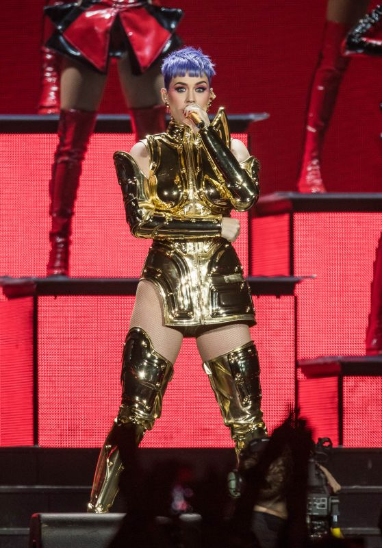 Katy Perry - Performs at the Lanxess Arena in Cologne 05/23/2018