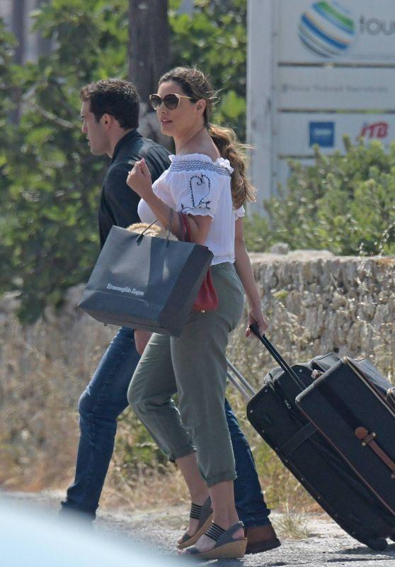 Kelly Brook at Mykonos Airport 05/27/2018