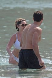 Kelly Brook Bikini Bikini Candids - Beach in Mykonos 05/26/2018