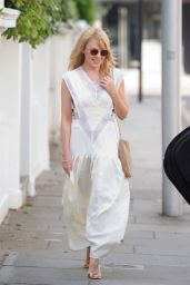 Kylie Minogue - Going to the Chiltern Firehouse to Dine, London 05/26/2018