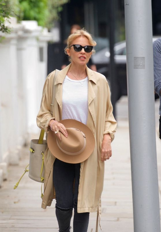 Kylie Minogue - Shopping in London 05/26/2018