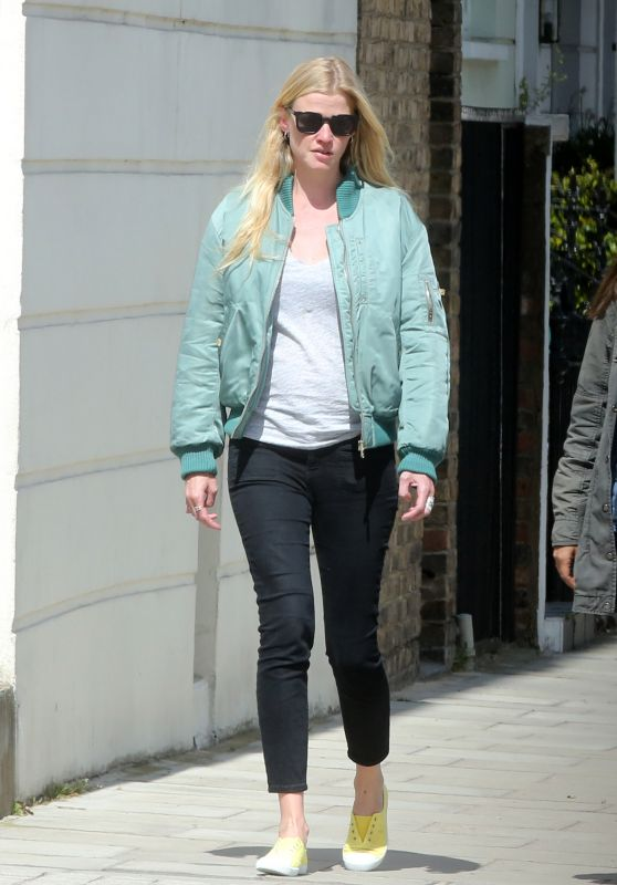 Lara Stone - Out in North London 05/13/2018