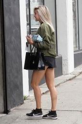 Lindsay Arnold - Heads Into DWTS Studio in Los Angeles 05/12/2018