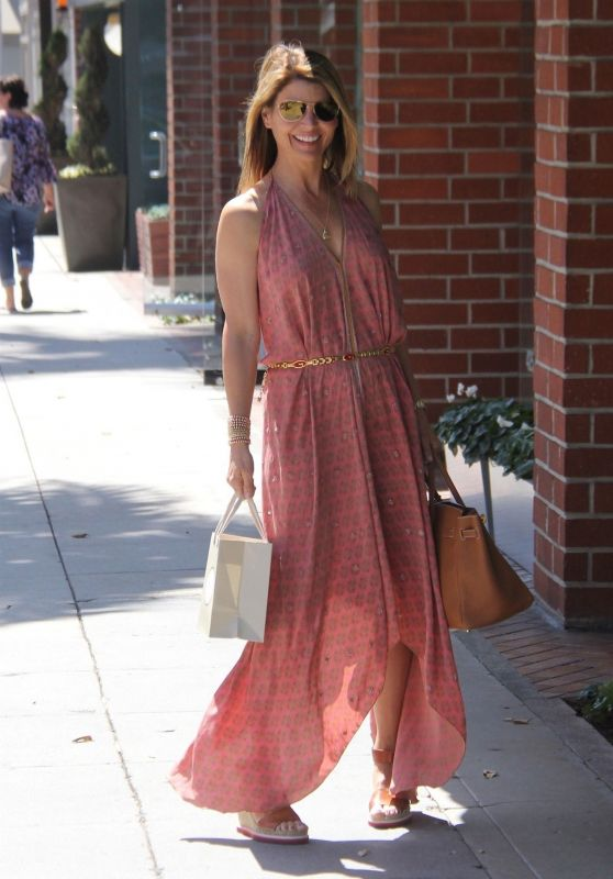 Lori Loughlin Stops by a Nail Salon in Beverly Hills 05/07/2018