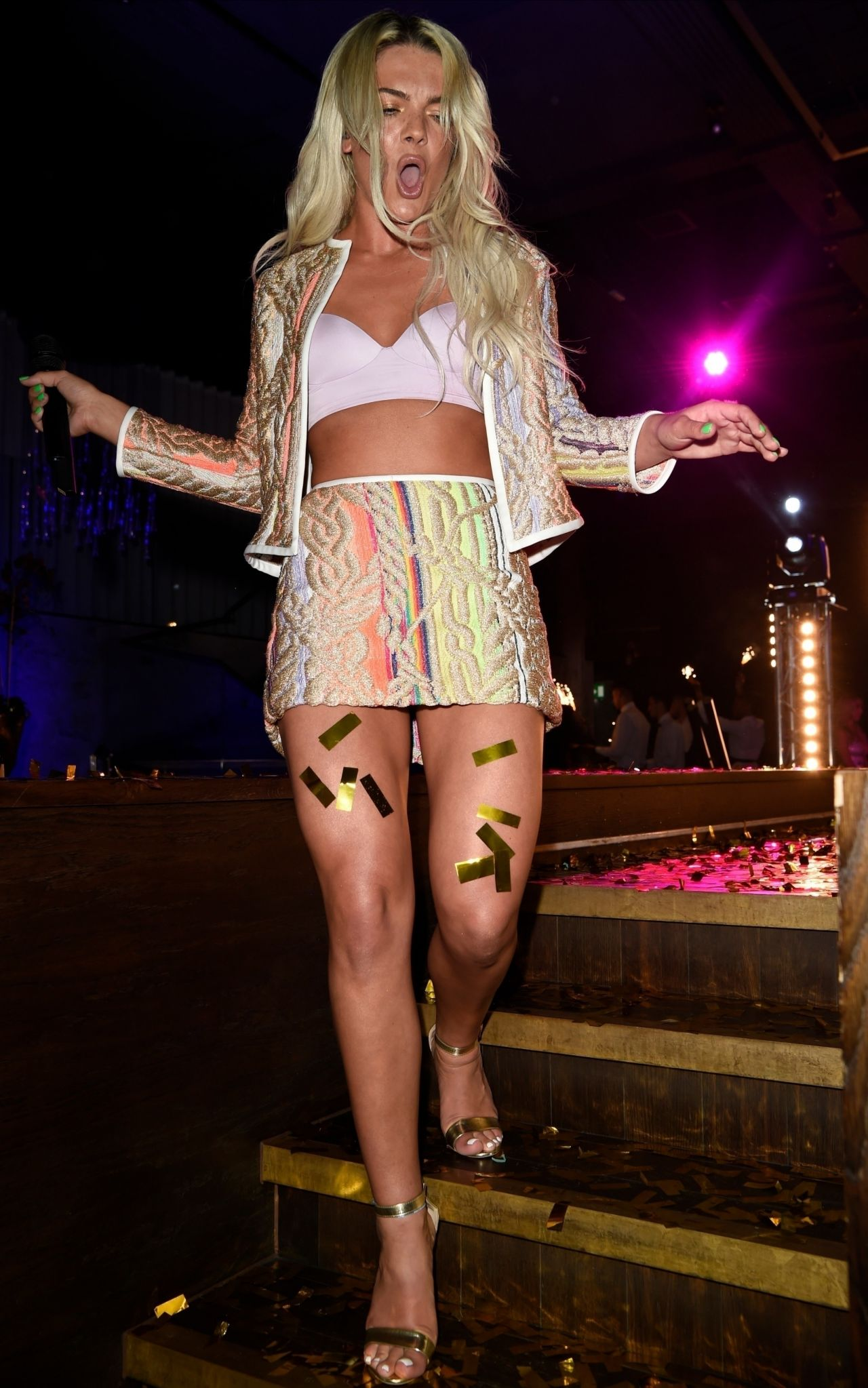 Louisa Johnson – Private Performance in Manchester 05/16/2018