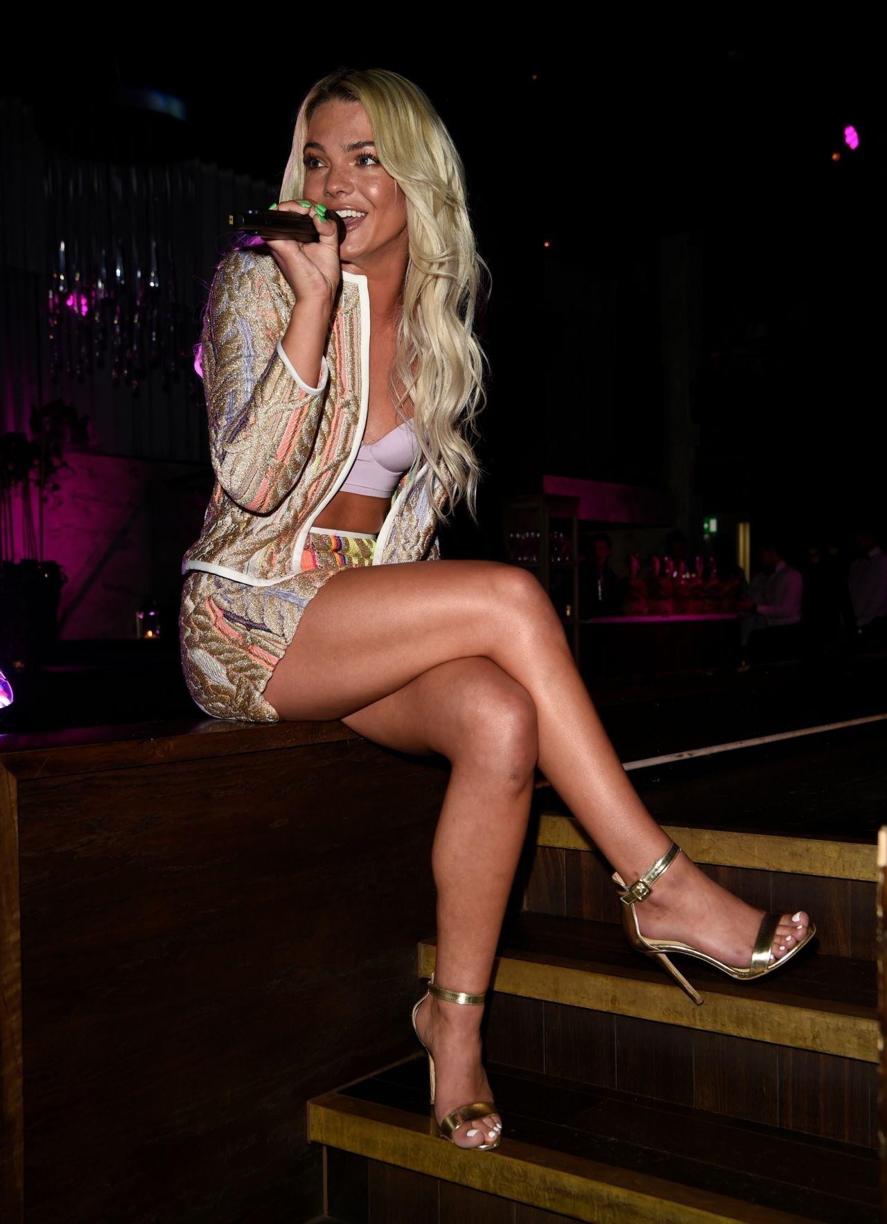 louisa-johnson-private-performance-in-manchester-05-16-2018-17.jpg