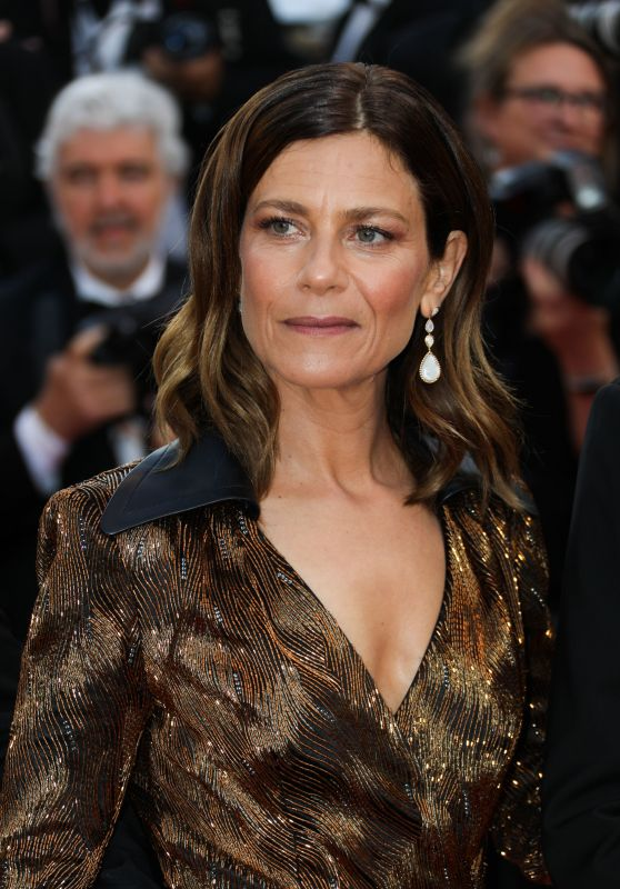 """Marina Fois – """"Sink or Swim"""" Red Carpet in Cannes"""