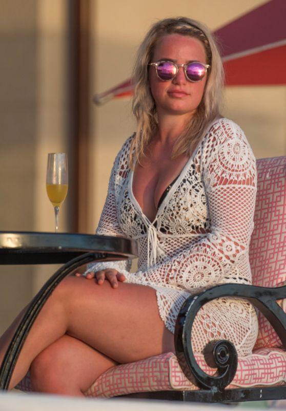 Megan Davison at Sandy Lane Hotel Bar in Barbados 05/17/2018