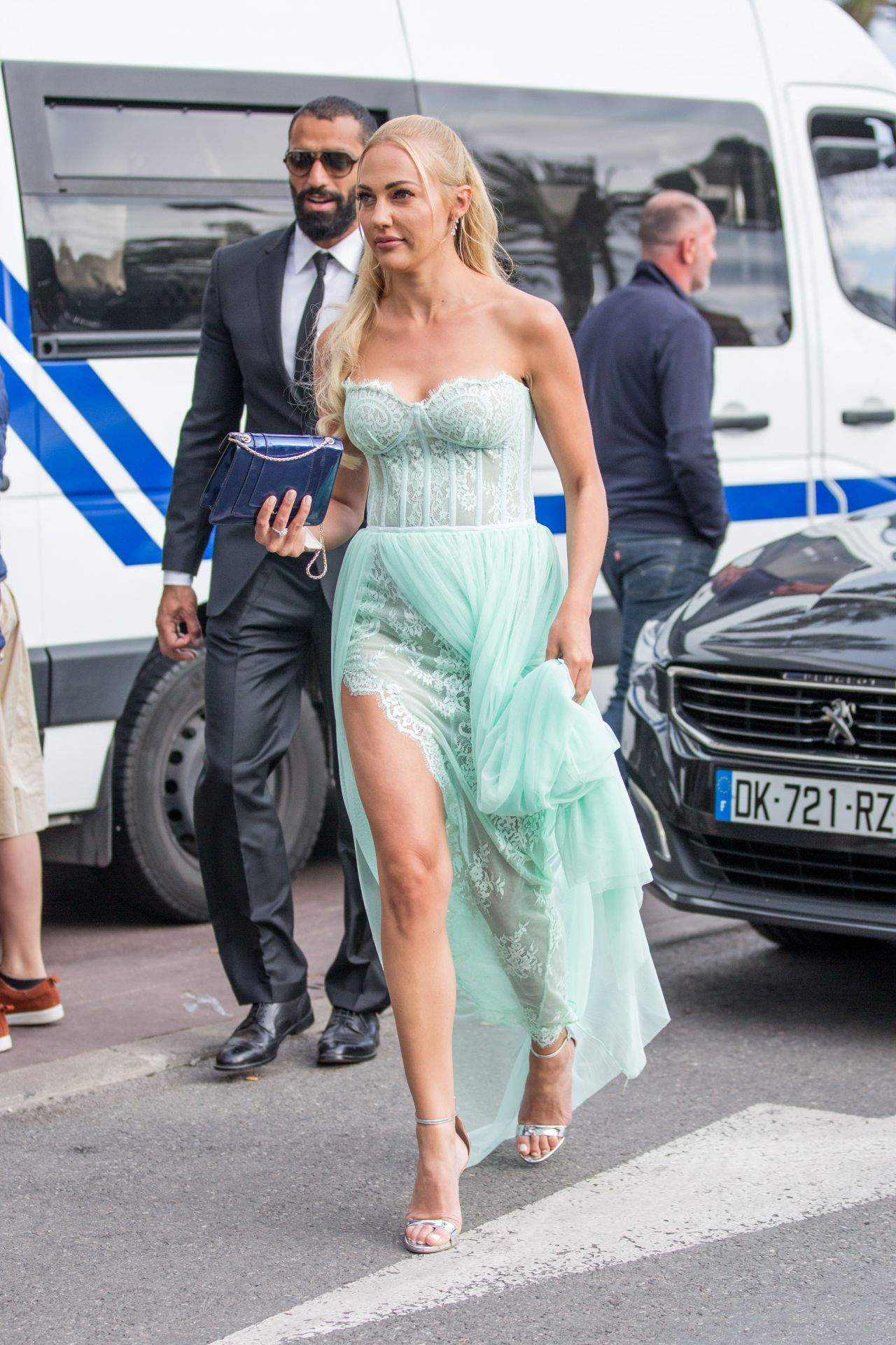 http://celebmafia.com/wp-content/uploads/2018/05/meryem-uzerli-at-the-martinez-hotel-in-cannes-05-13-2018-3.jpg