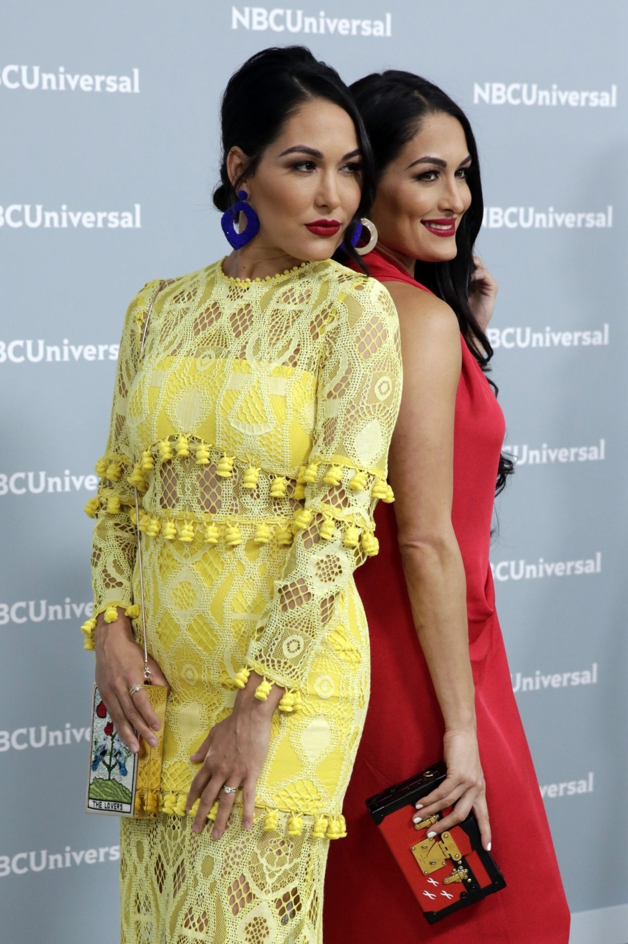 Nikki Bella And Brie Bella 2018 Nbcuniversal Upfront In Nyc