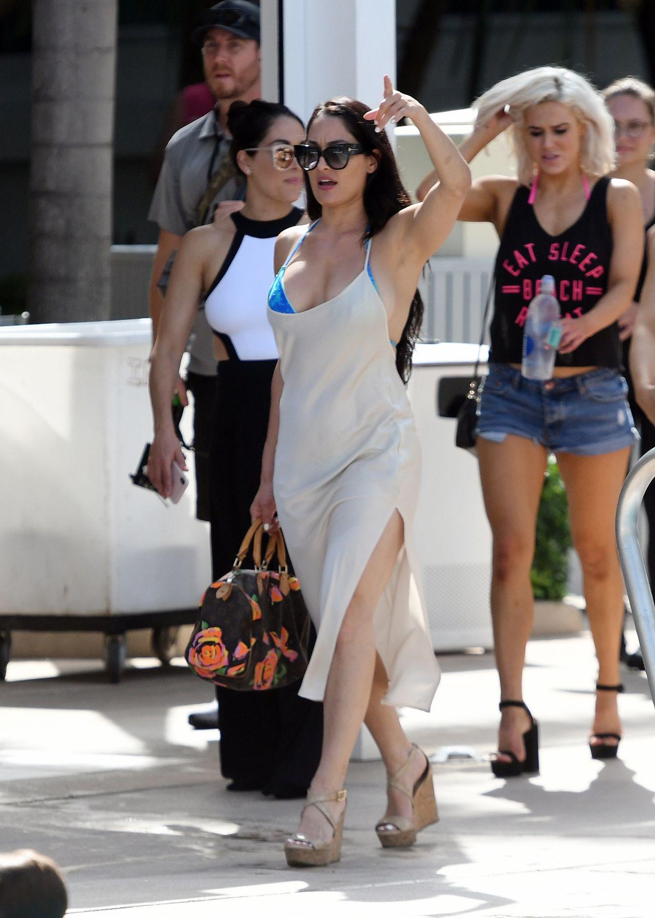 Nikki Bella In A Blue Bikini - Filming For Total Divas In -3908