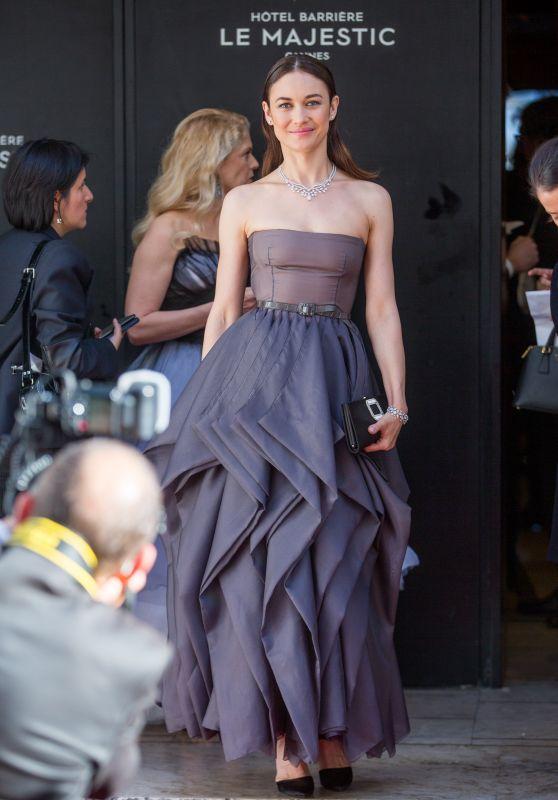 Olga Kurylenko - Majestic Hotel in Cannes 05/19/2018