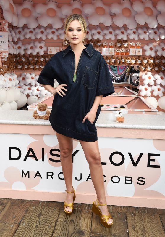 Olivia Holt – Daisy Love Fragrance Launch in Santa Monica