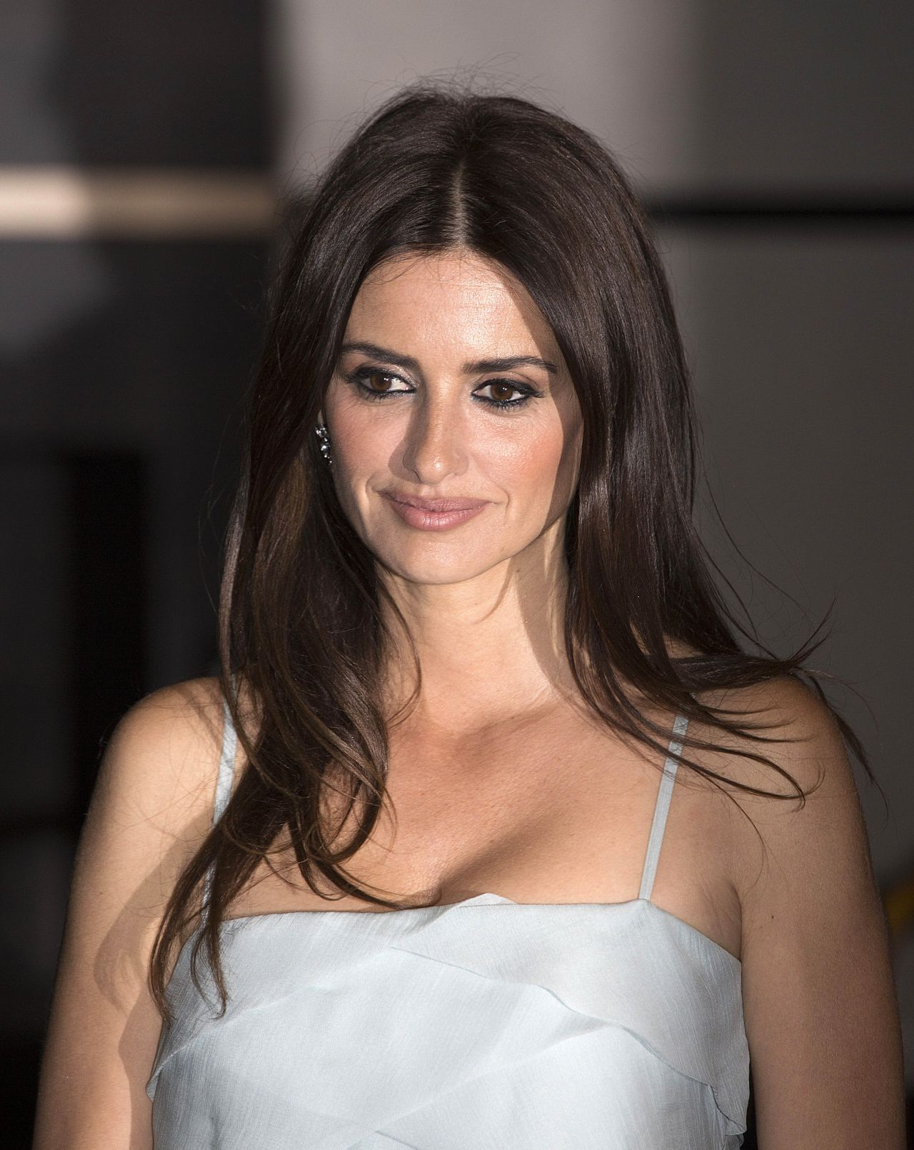 Penelope Cruz - Chanel x Vanity Fair Party in Cannes 05/09 ... Penelope Cruz