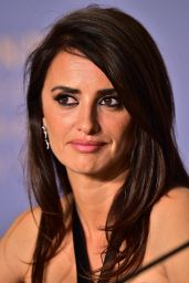 """Penelope Cruz - """"Everybody Knows"""" Press Conference at Cannes Film Festival"""