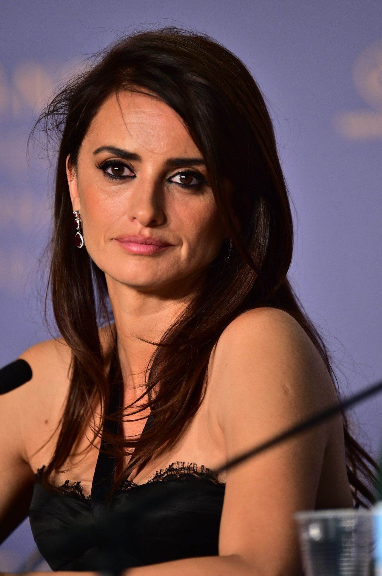 "Penelope Cruz - ""Everybody Knows"" Press Conference at ... Penelope Cruz"