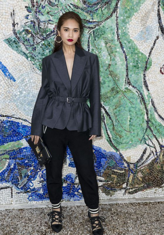 Rainie Yang – Louis Vuitton 2019 Cruise Collection in Saint-Paul-De-Vence