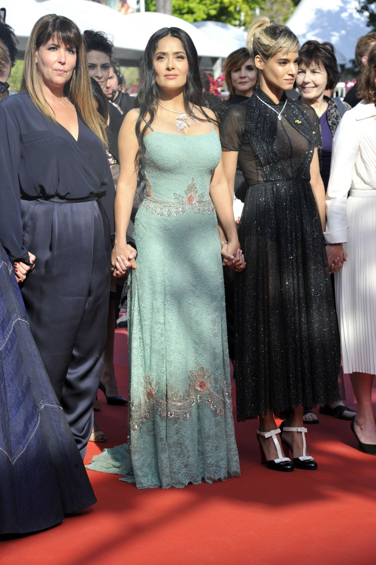 http://celebmafia.com/wp-content/uploads/2018/05/salma-hayek-girls-of-the-sun-premiere-at-cannes-film-festival-7.jpg
