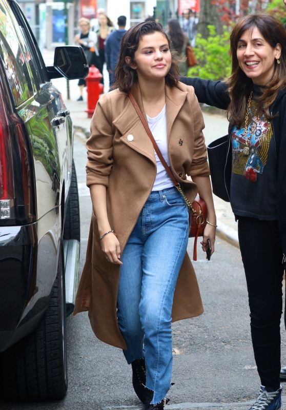 Selena Gomez - Head Out to Have Lunch in NYC 05/06/2018