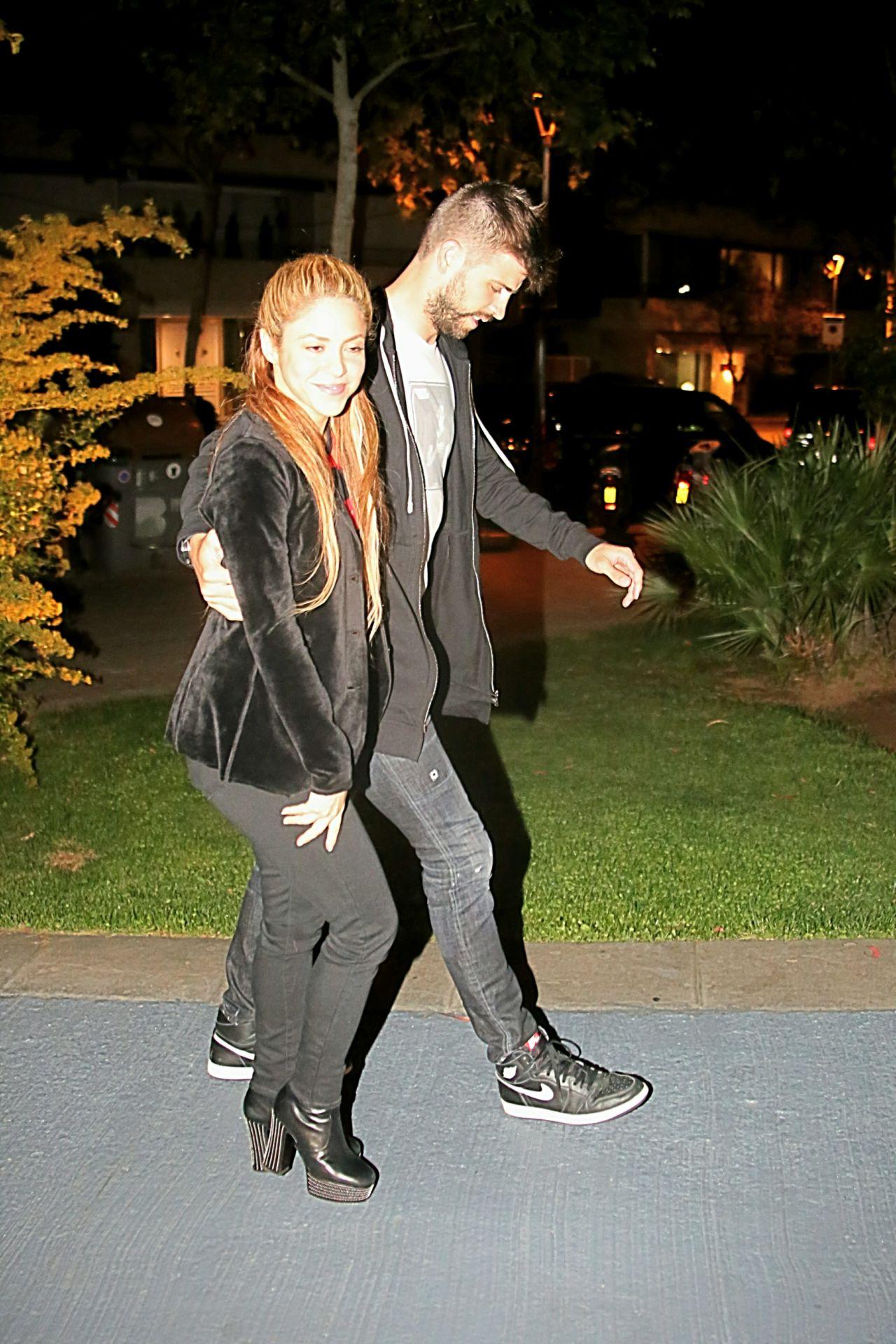 Escándalo: Are Shakira and Gerard Pique Being Blackmailed ...  Gerard Pique And Shakira Scandal
