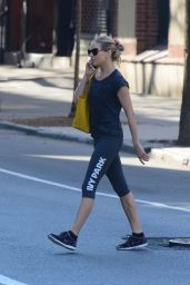 Sienna Miller in Leggings - Heading to the Gym in New York City 05/03/2018