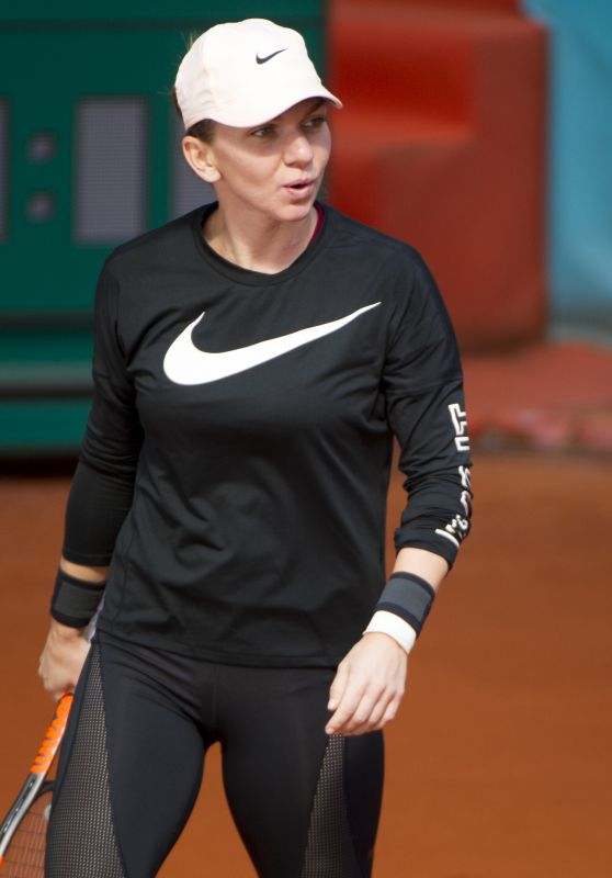 Simona Halep – Mutua Madrid Open Training Session in Madrid 05/04/2018