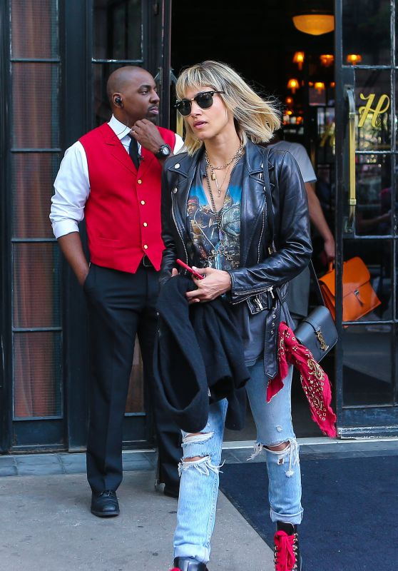 Sofia Boutella Urban Style - Leaving a Hotel in New York City 05/07/2018