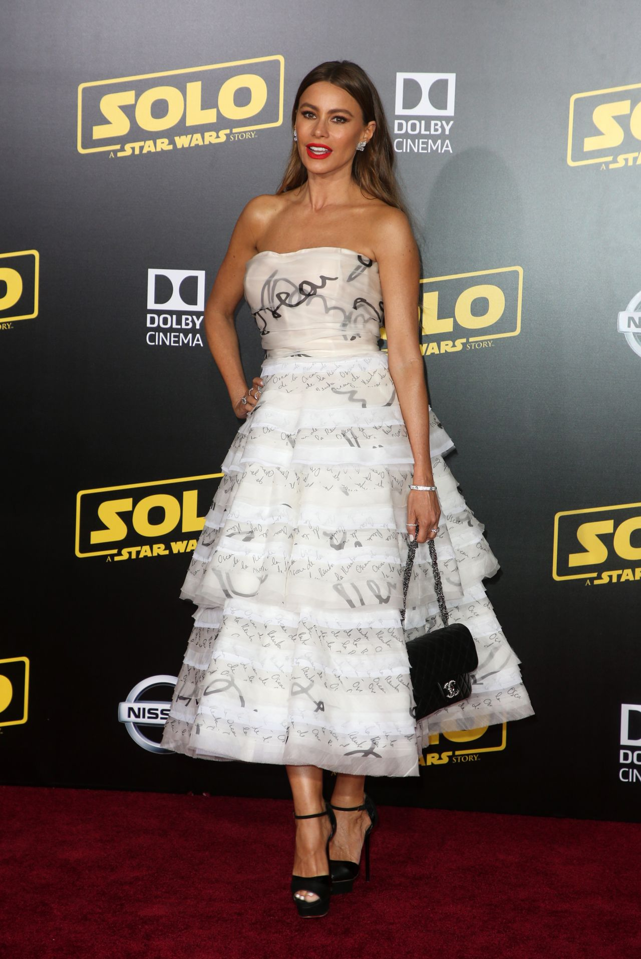 Gorgeous cougar Sofia Vergara  at Solo: A Star Wars Story premiere in LA
