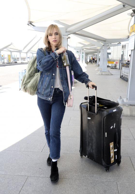 Suki Waterhouse - Heathrow Airport 05/06/2018