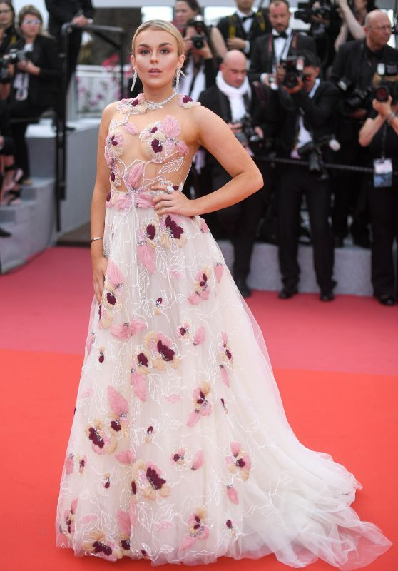 """Tallia Storm – """"Everybody Knows"""" Premiere and Cannes Film Festival 2018 Opening Ceremony"""