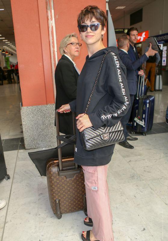 Ursula Corbero at Nice Airport 05/08/2018