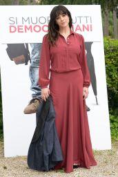 """Valentina Lodovini - """"Si muore tutti democristiani"""" Photocall in Rome"""
