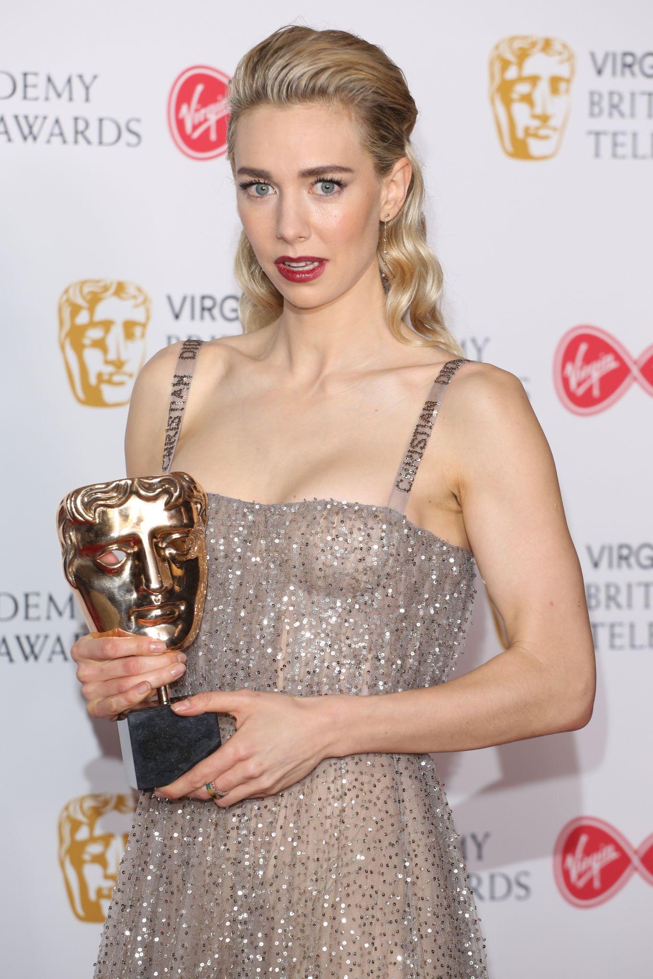 BAFTA Awards 2019: Amy Adams in Prada: IN or OUT? | Tom ...