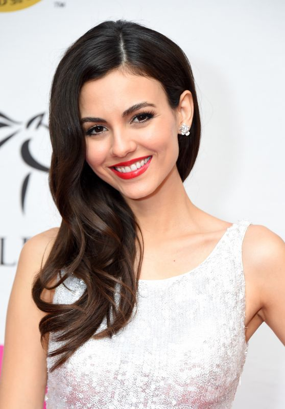 Victoria Justice - Unbridled Eve Gala in Louisville 05/04/2018