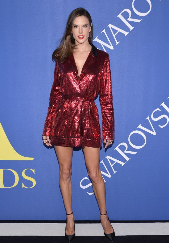 Alessandra ambrosio latest photos page 2 of 72 celebmafia for Museum of fashion nyc