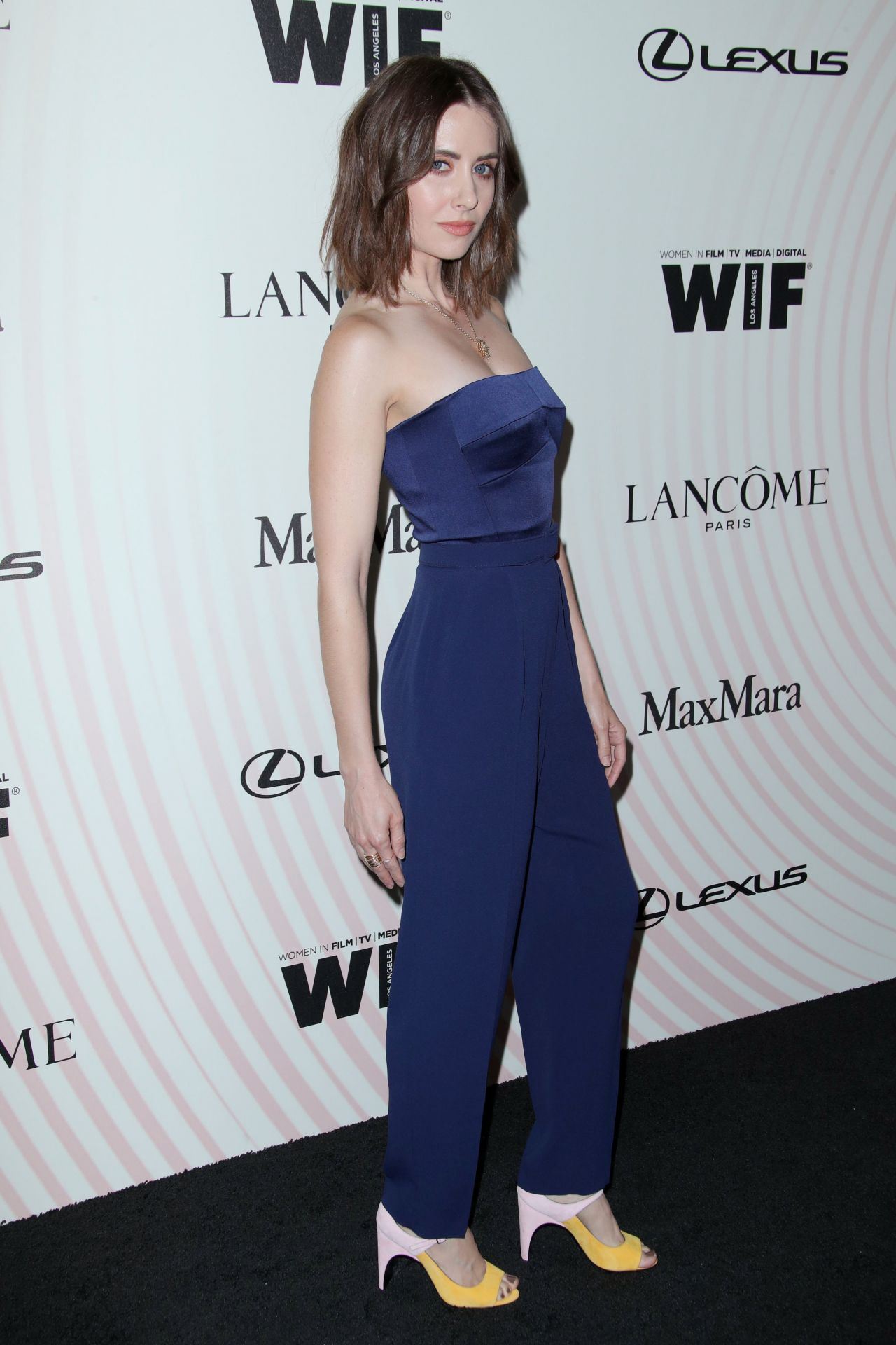 https://celebmafia.com/wp-content/uploads/2018/06/alison-brie-2018-women-in-film-crystal-and-lucy-awards-in-la-2.jpg