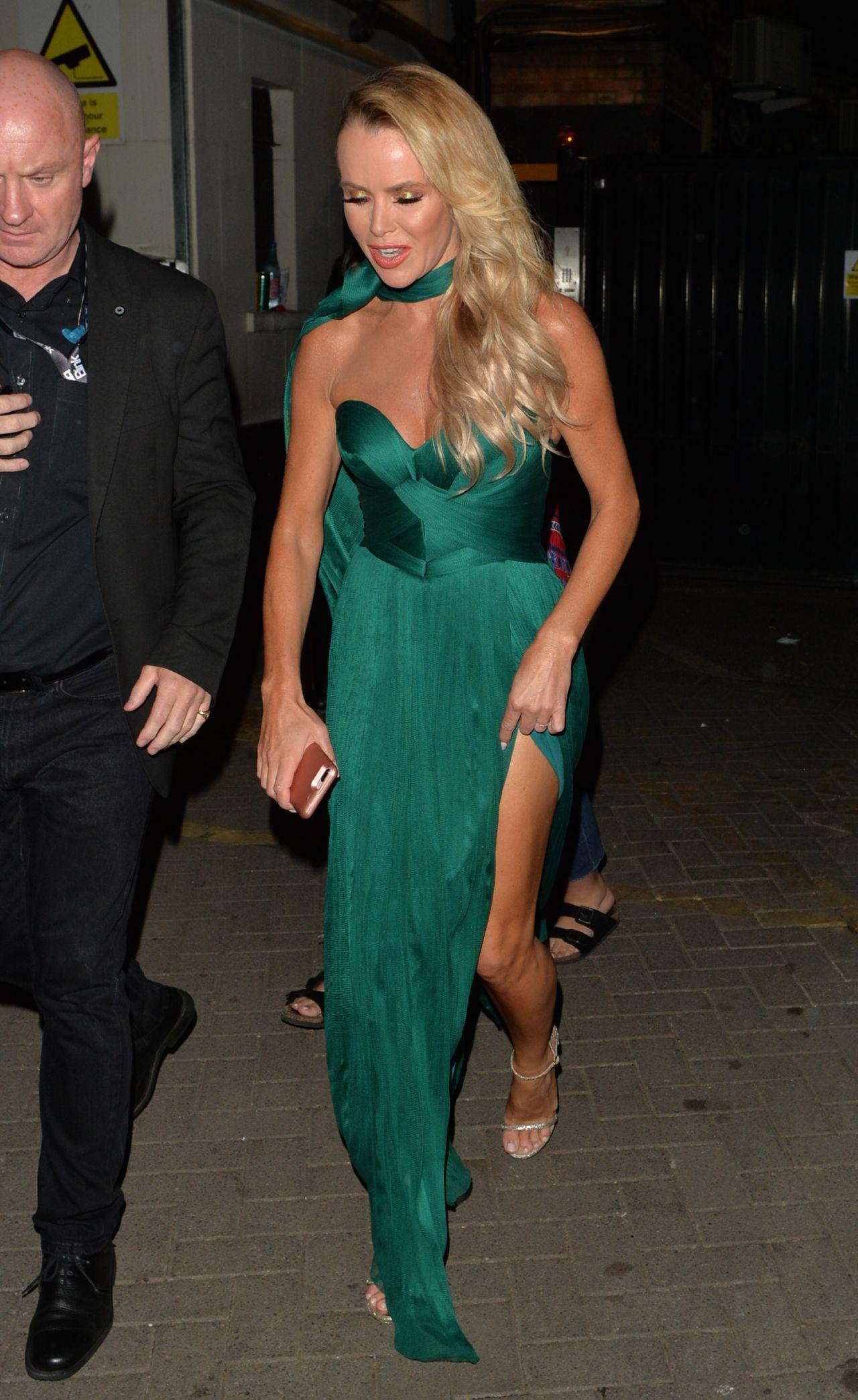 Amanda Holden Leaving The Apollo Theater In London 05 31