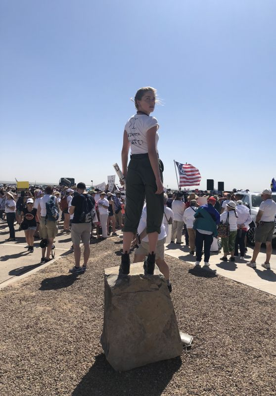 Amber Heard – Rally in Support of Refugee Children and Families Seeking Asylum in Tornillo, Texas 06/24/2018