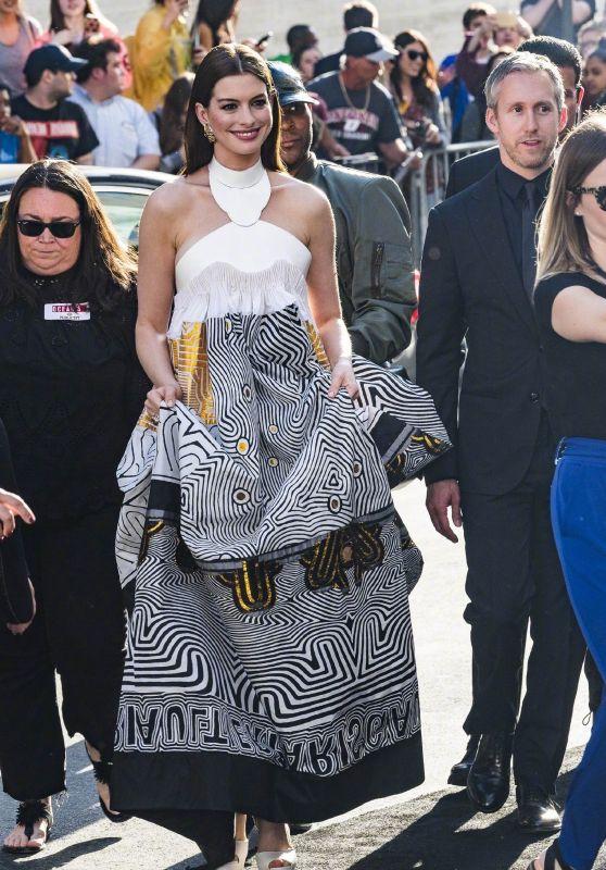 """Anne Hathaway - Arriving at """"Ocean"""