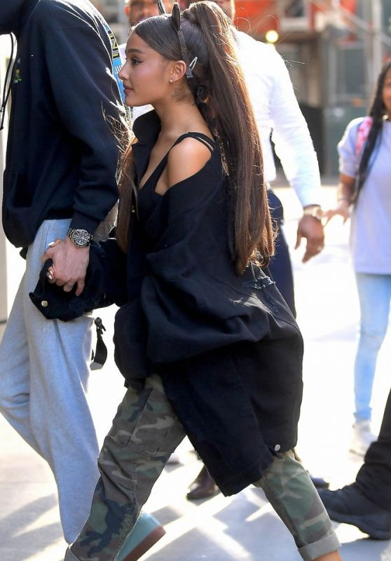 Ariana Grande - Out in NY 06/25/2018
