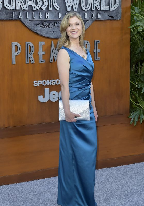 "Ariana Richards – ""Jurassic World: Fallen Kingdom"" Premiere in LA"