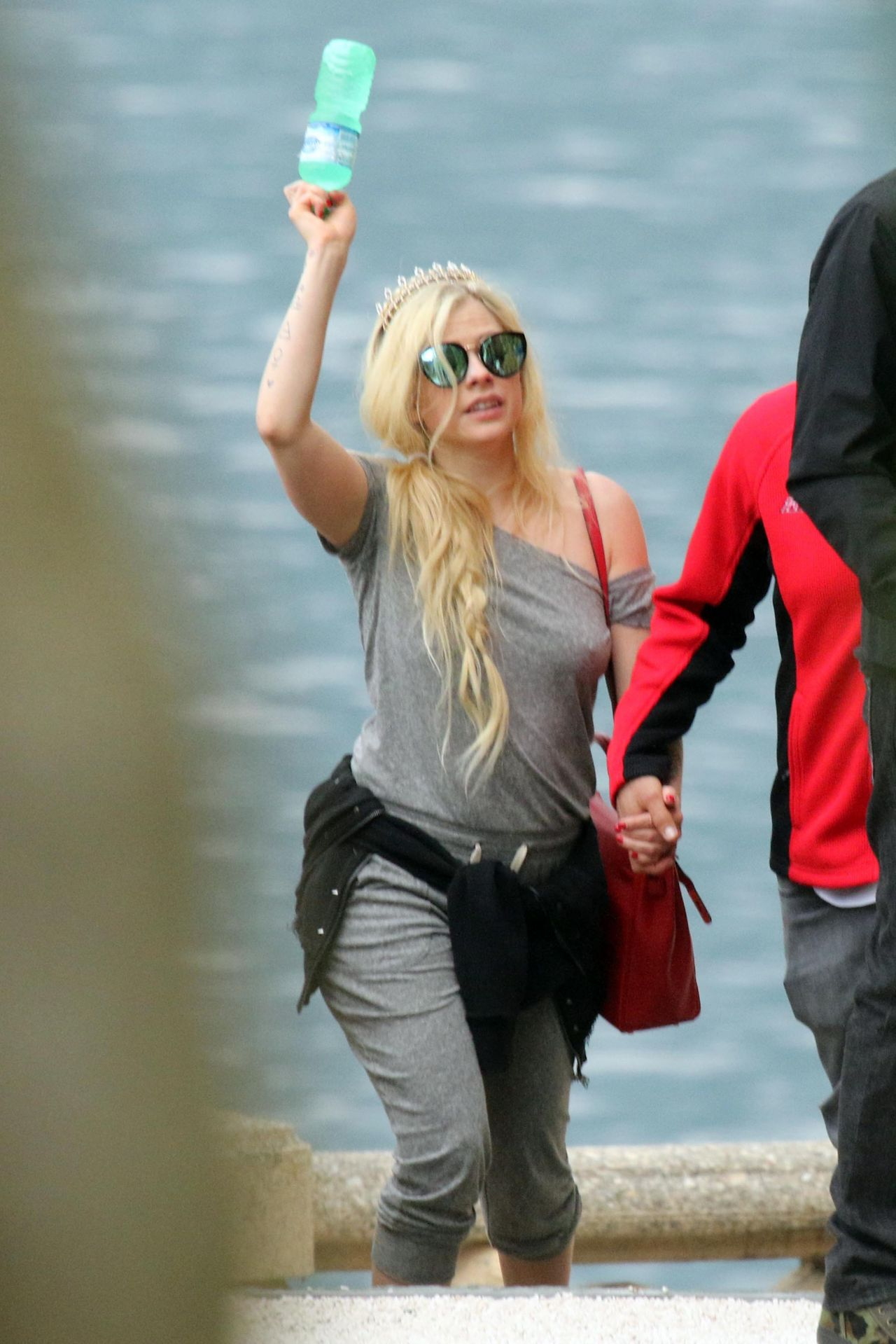 Avril Lavigne Vacation On Lake Como In Italy 05 31 2018