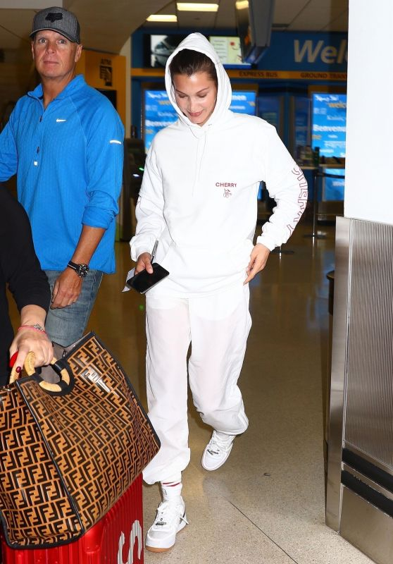 Bella Hadid - Newark Airport in New Jersey 06/06/2018