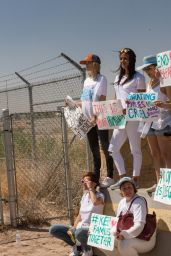 Bella Thorne - On a Rally in Support of Refugee Children and Families Seeking Asylum in Tornillo, Texas 06/24/2018
