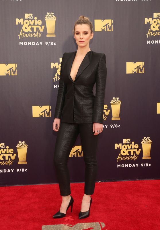 Betty Gilpin – 2018 MTV Movie And TV Awards in Santa Monica