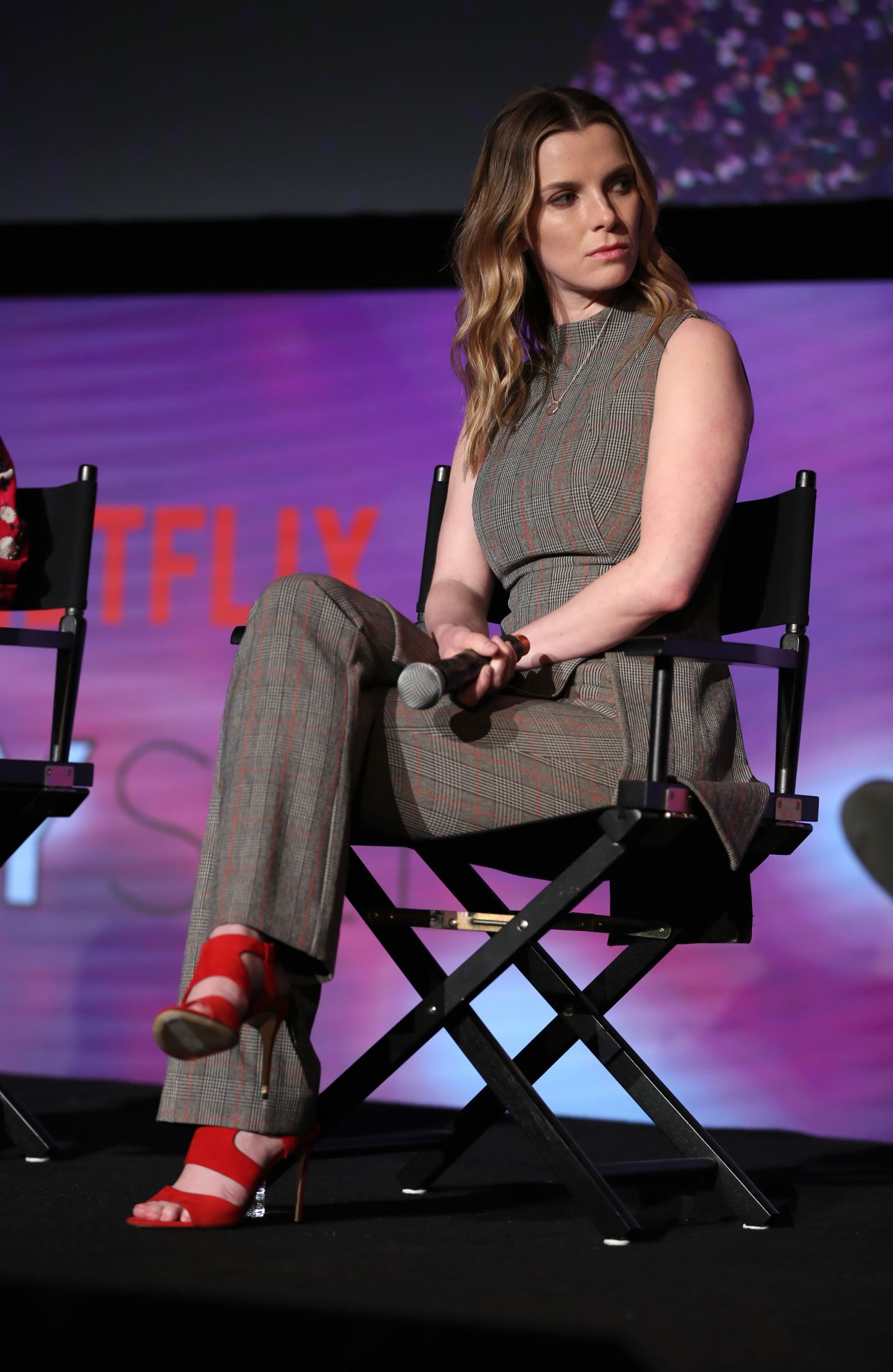 betty gilpin quotglowquot netflix fysee event in los angeles