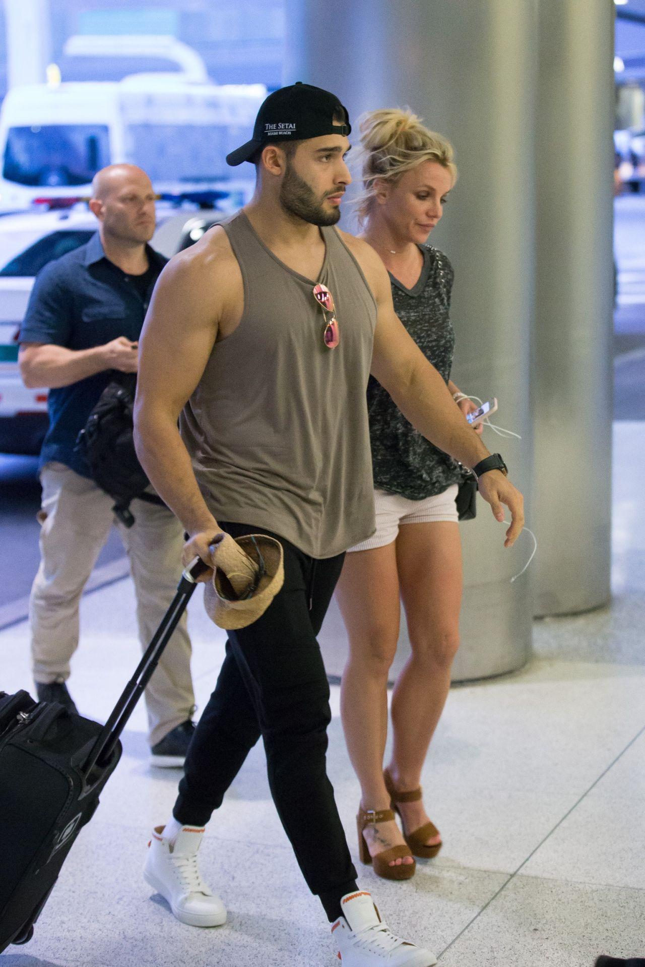 Britney Spears And Boyfriend Sam Asghari Airport In Miami 06102018