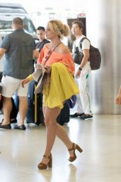 Britney Spears Shows Off Her Legs in Shorts - Airport in Miami 06/05/2018