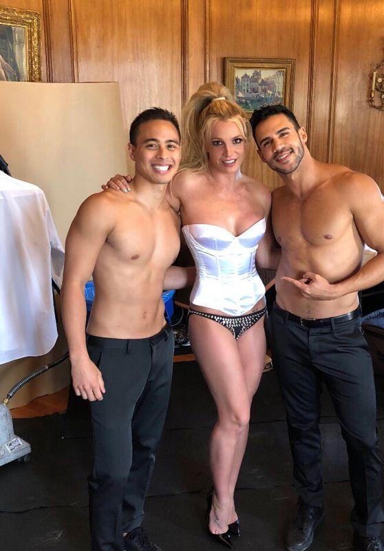 Britney Spears - Social Media 06/04/2018